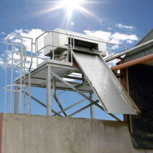 Foto Gülleseparator mit Plattform