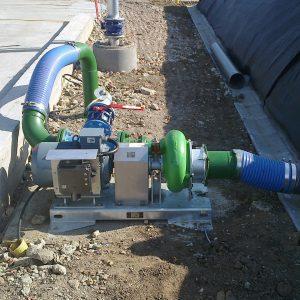 Absaugen aus einem Güllesack mit der ER3-E L Pumpe